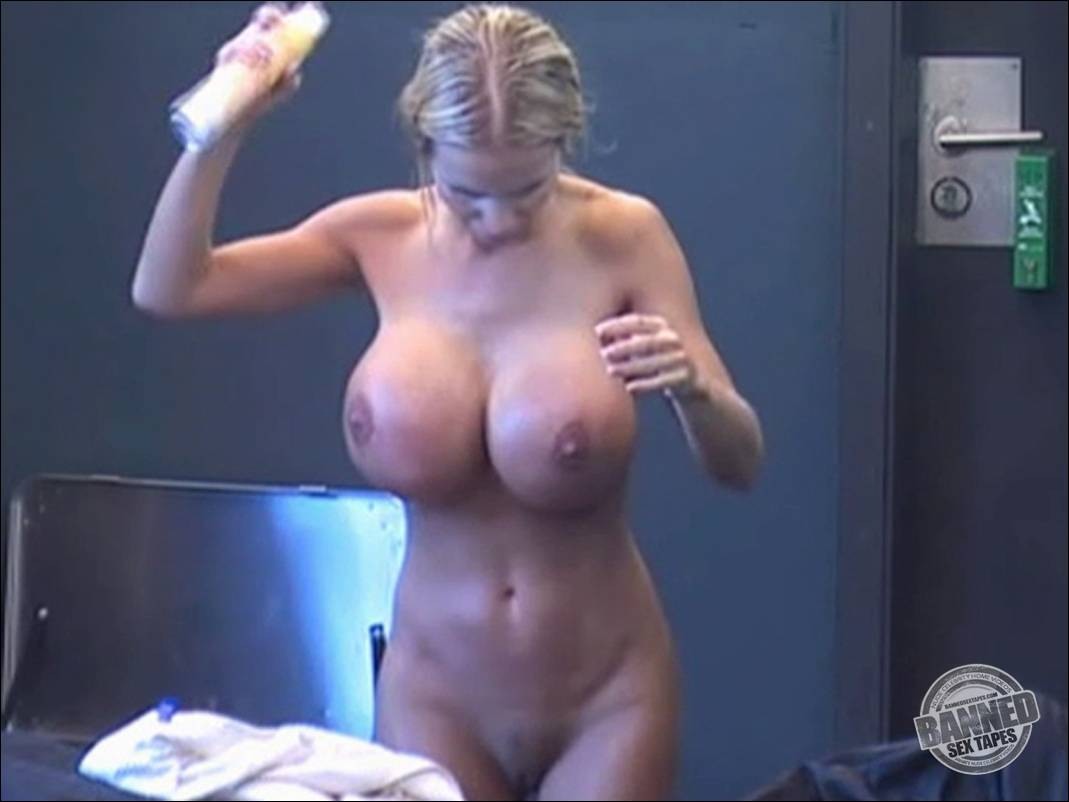 Daughters and fathers naked