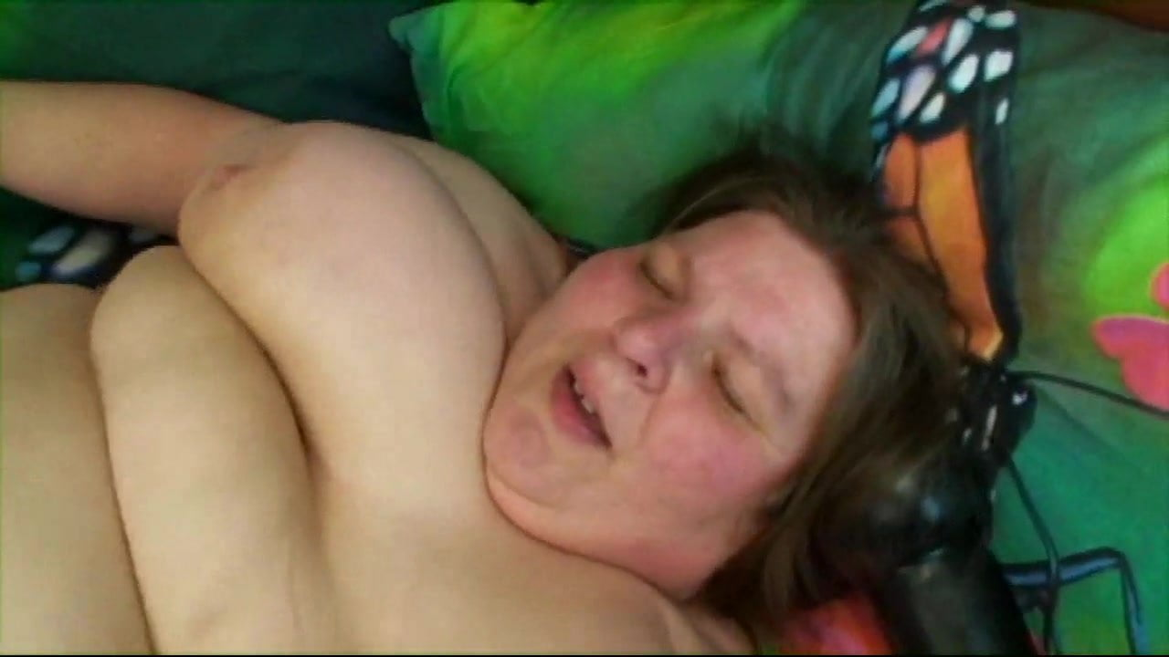 Cum all over her in bed