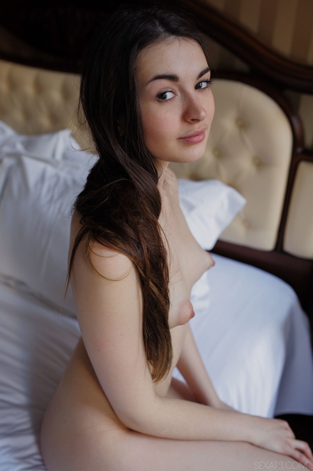 Asian nude girl chick